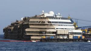 Costa Concordia operazione di rotazione conclusa